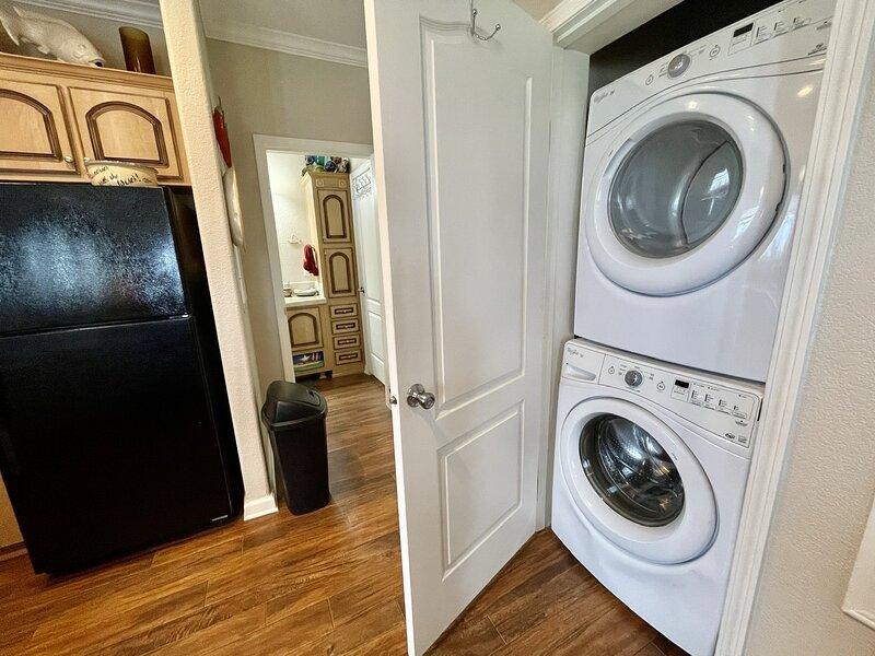 Washer,Flooring,Floor,Hardwood,Indoors