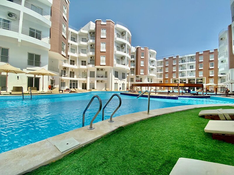 brand new 2-Bed Apartment, holiday rental in El Gouna