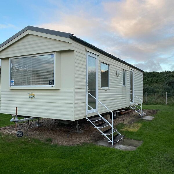 Lovely 4 berth caravan for hire at Sunnydale Holiday Park ref 35225S, holiday rental in North Somercotes