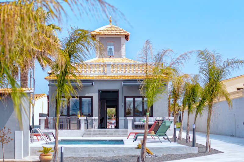 CASA GRIS BOUTIQUE HOME, holiday rental in Canor