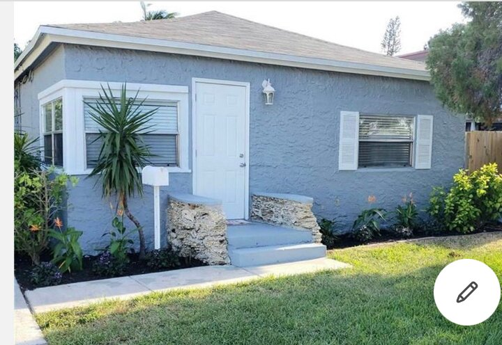 Super cute house with hot tub near beaches, Hollywood boardwalk, pier and casino, holiday rental in Dania Beach