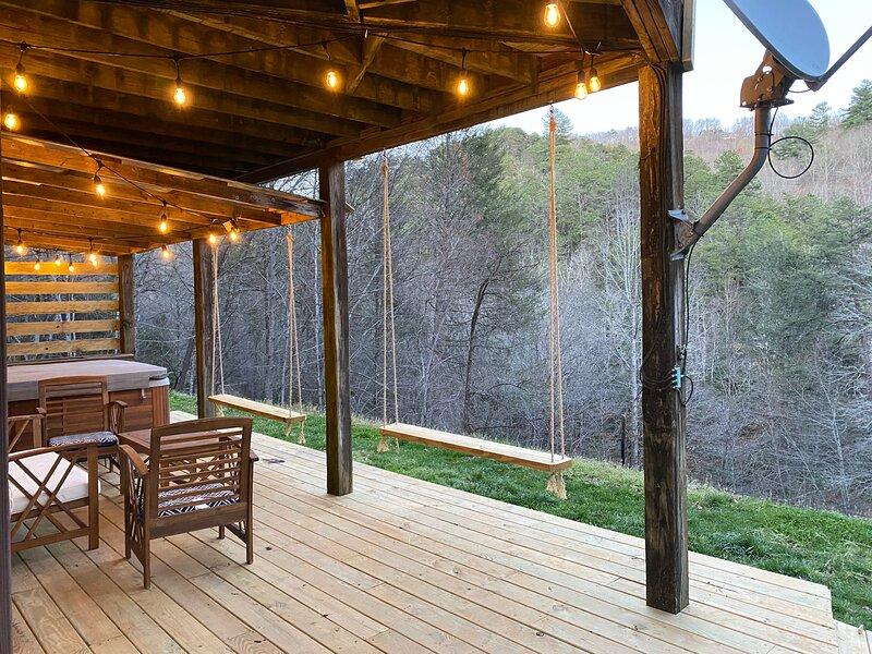 3 Little Bears! Backs up to GSMNP! Mtn View, On Creek, Spacious, location de vacances à Parc national des Great Smoky Mountains