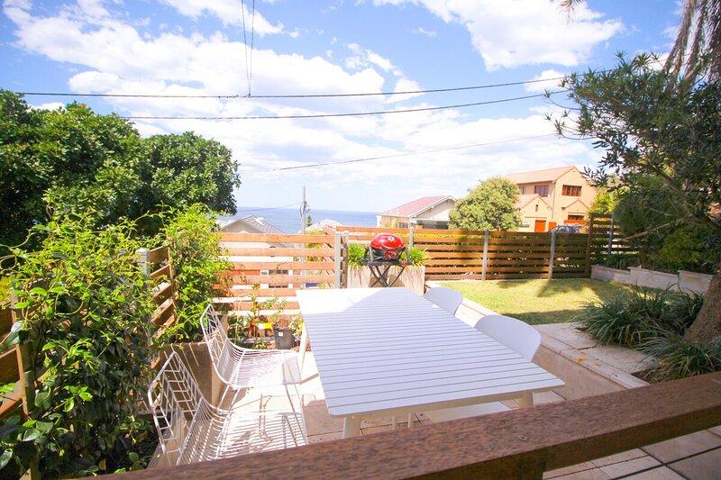 Two Palms Coogee: Ocean views garden unit walk to beach & pools, aluguéis de temporada em Randwick
