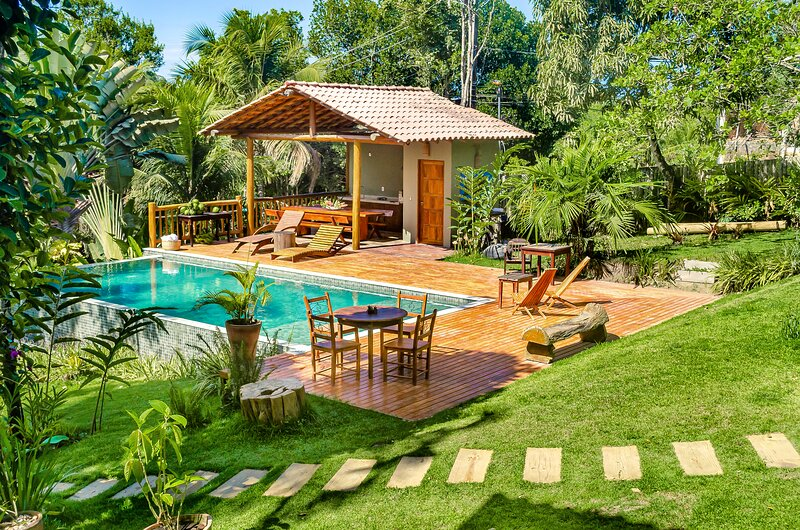Vila Tupi private pool daily cleaning 300 megas net, holiday rental in Curuipe