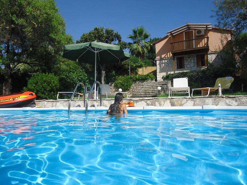 ''Villa Marialena'' unique private villa  with  pool, holiday rental in Katouna