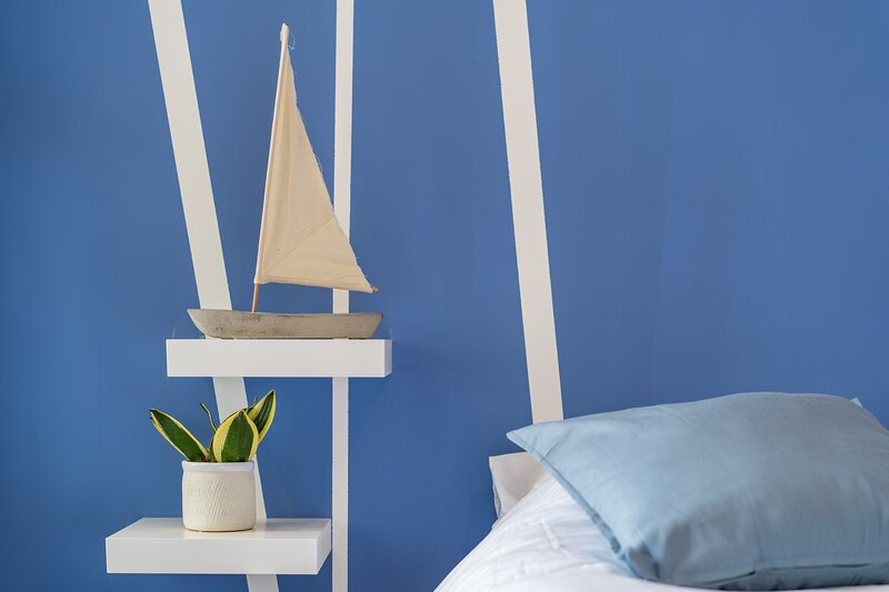 Vibrant Apartment With Sea View and Balcony to On the sea in Achziv, aluguéis de temporada em Nahariya