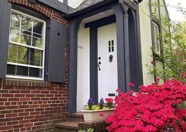 Foxhall Village Updated Home, alquiler de vacaciones en McLean