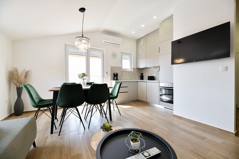 Modern holiday apartment 'Libra' with swimming pool in the center of Posedarje, vacation rental in Posedarje