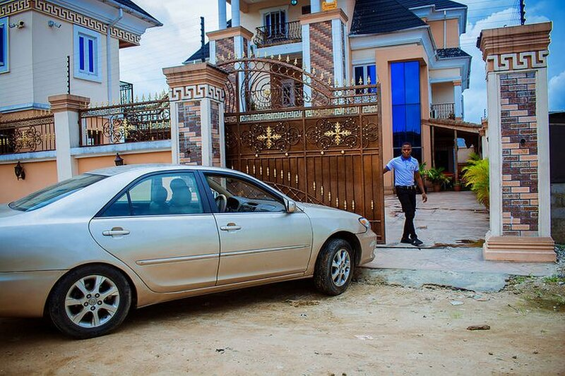 Mexiloyd Suites Queen Apartment, holiday rental in Port Harcourt
