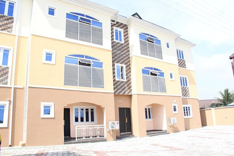 Blooms Spot Hotel and Suites, holiday rental in Port Harcourt