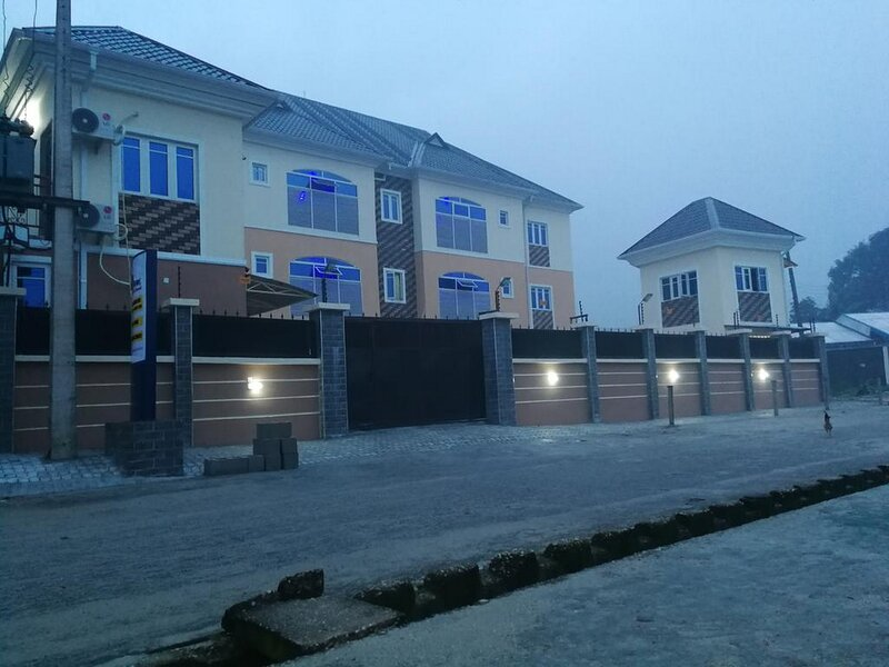 Blooms Spot Hotel Self Service Apartment, holiday rental in Port Harcourt