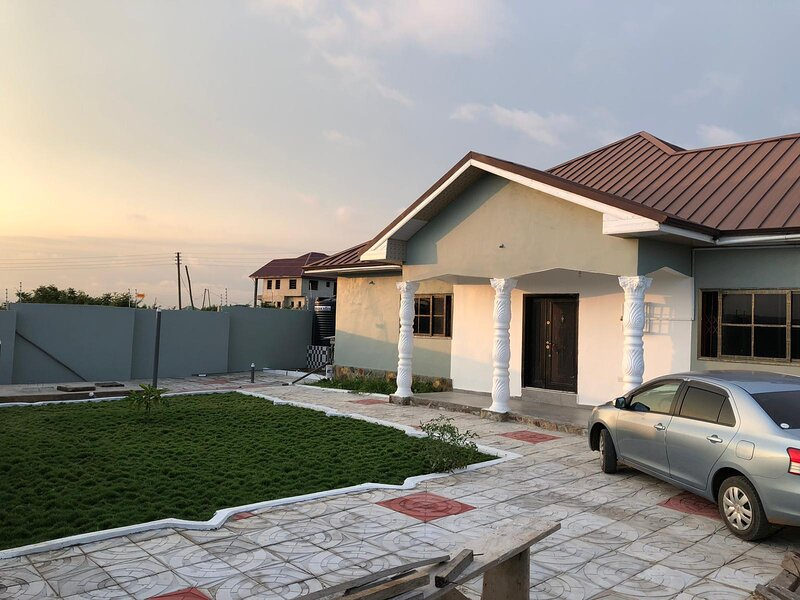 """Best Point Home - """"Just Like Home""""!, holiday rental in Kokrobite"""