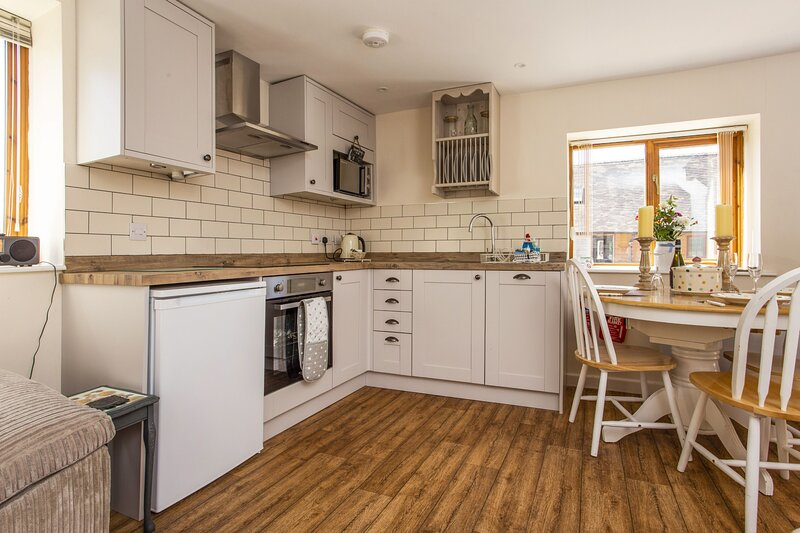 East Barn Cottage, vacation rental in Long Marston