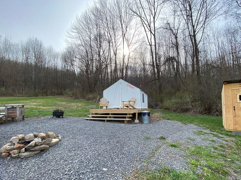 Tentrr Signature Site - Mt Otsego Sunrise Meadow, holiday rental in Richfield Springs