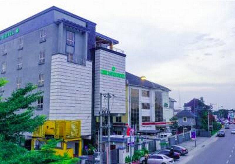 Limewood Hotel 5 Star Port Hotel, holiday rental in Port Harcourt