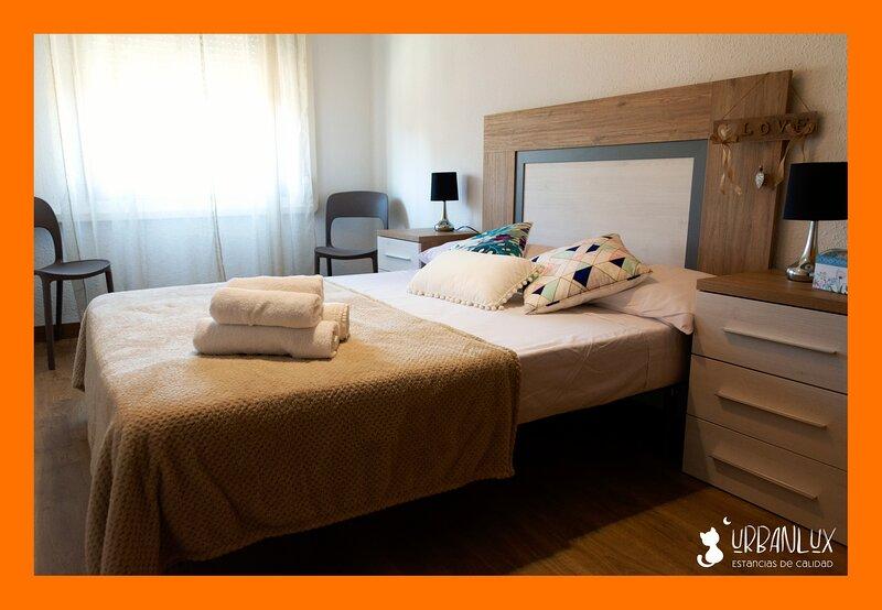 UrbanLux Hospital, holiday rental in Albacete