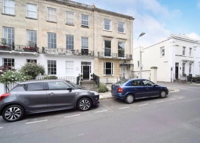 Chic Apt in Central Cheltenham, vacation rental in Southam