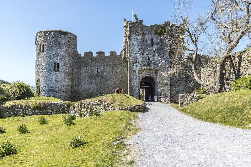 Castle House - Manorbier Castle - 5 Bedroom Castle House - Manorbier – semesterbostad i Manorbier