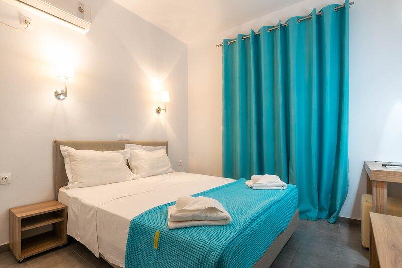 Double Room with Sea View, location de vacances à Drosia