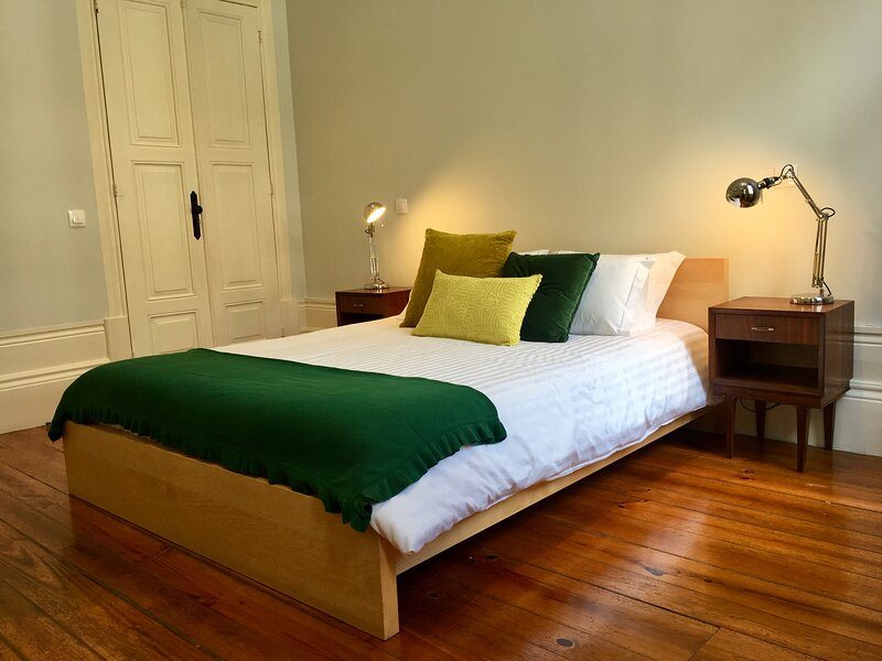 Cosy and Stylish Room in a Family House, holiday rental in Bomfim