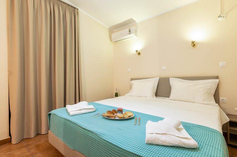 One-Bedroom Apartment with Sea View, location de vacances à Drosia