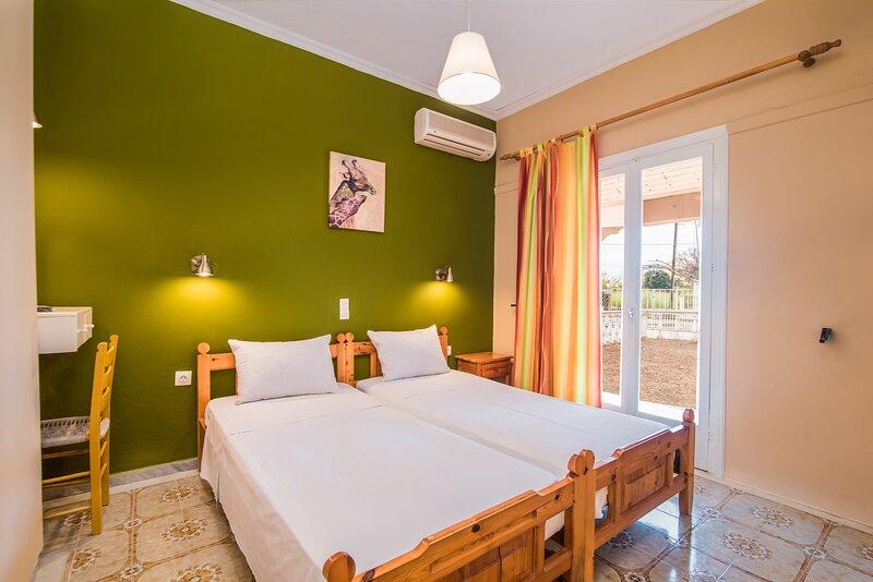SouthGate 1, location de vacances à Agios Georgios