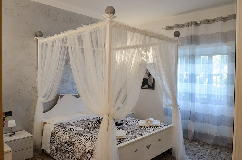 IPU6004 RELAX**** by Holiday World, holiday rental in Cozzana