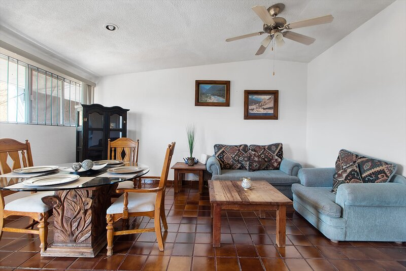+MS  +Cómoda suite +Céntrica +El Prado, holiday rental in Queretaro