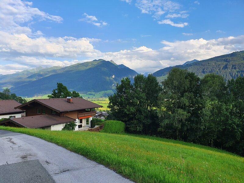 Specious, hillside, detached chalet, near big ski area's, aluguéis de temporada em Uttendorf