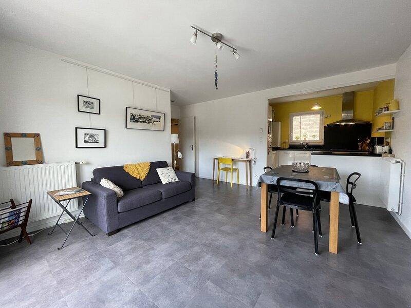 Joli appartement 2 pièces à Granville, 2 couchages, à proximité du parc du Val, alquiler vacacional en Longueville