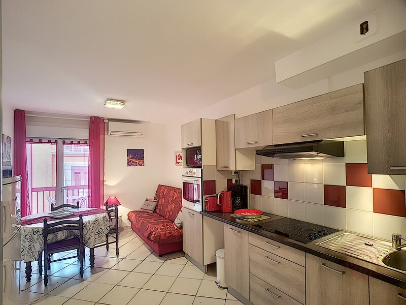 PLEIN SOLEIL, Bd Mourcayrol, LAMALOU, holiday rental in Camplong