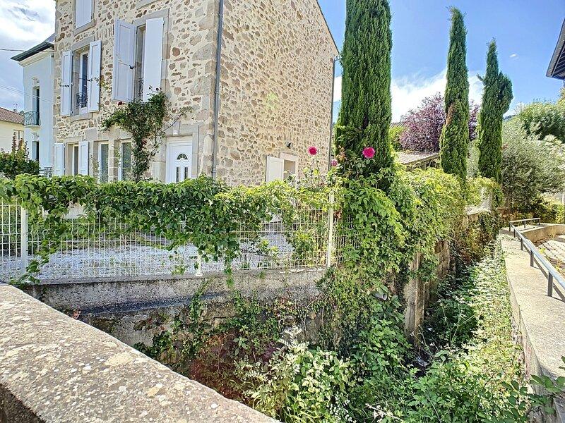 11 Ave de la République, LAMALOU LES BAINS, location de vacances à Lamalou-les-Bains
