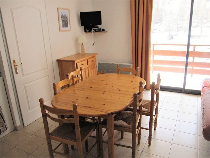 appartement 6 personnes WIFI Gardette Réallon A11, holiday rental in Savines-le-Lac
