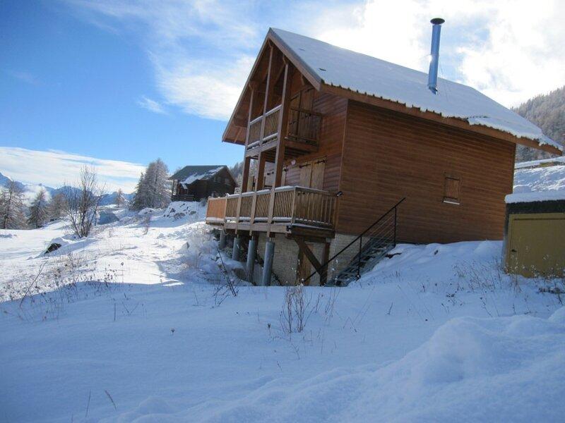 Chalet de montagne 8 personnes tout confort n°15 Réallon, holiday rental in Puy-Sanieres