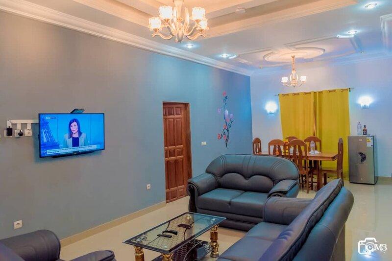 Résidence Eden pnr, Appartements meublés de type F3, à 10 min du centre ville, holiday rental in Pointe Noire Department
