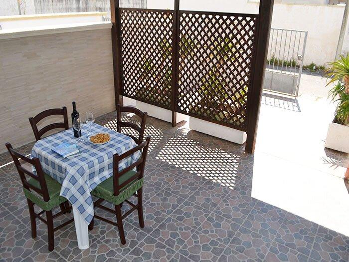 Cod.LL11 - Villetta due livelli Via Montegrappa 25 S.Foca - distanza mare 250m, holiday rental in Acquarica di Lecce
