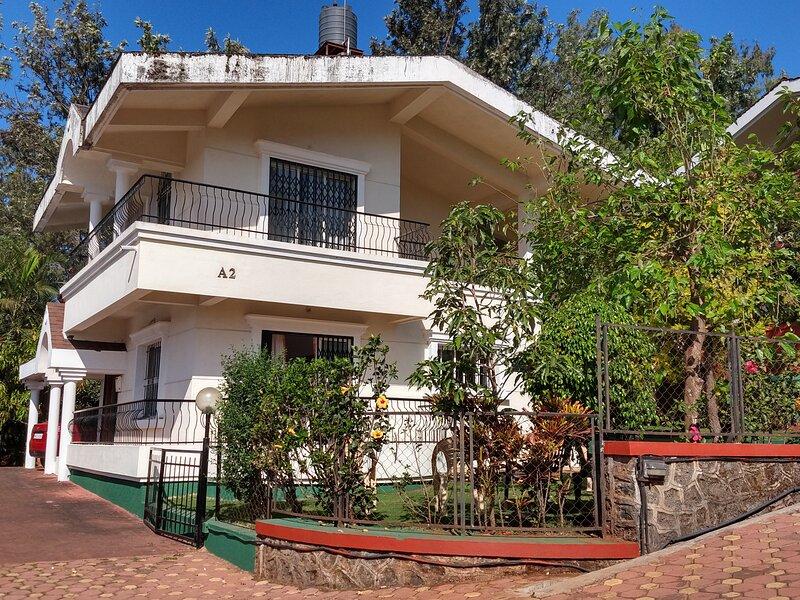 Valley Green Villa A-2, Panchgani, holiday rental in Wai