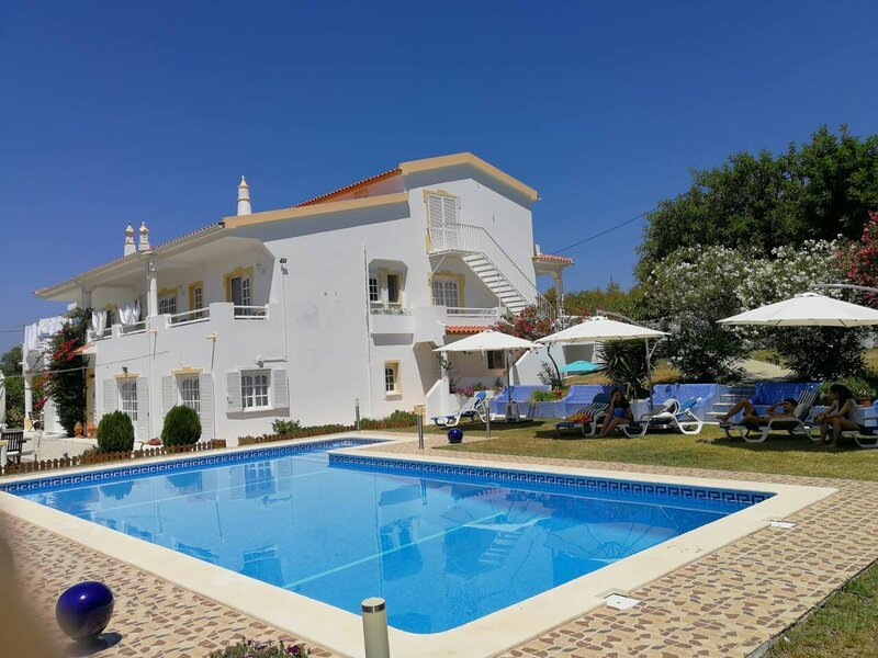 Charming countryside 3-Bed Apartment, pool, hottub, vacation rental in Fonte De Louzeiros