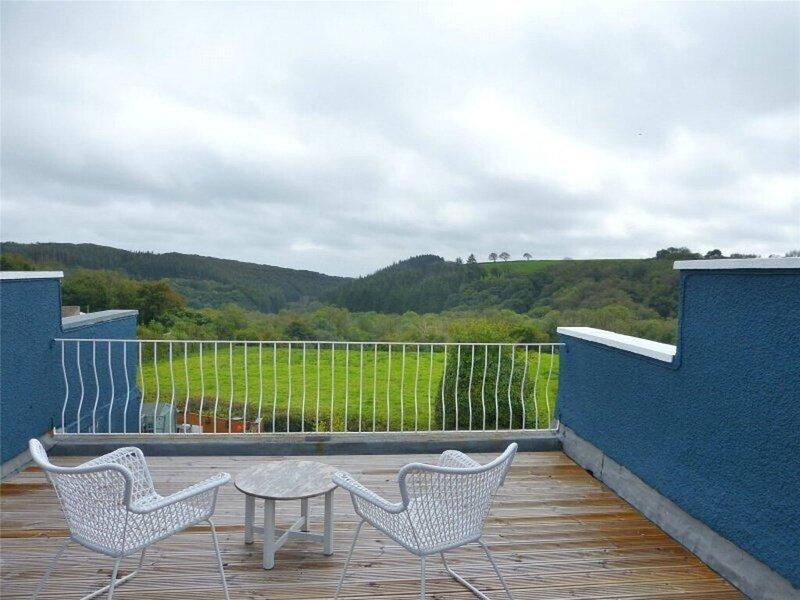 Wonderful refurbished, 3-Bed House Nr Saundersfoot, holiday rental in Whitland