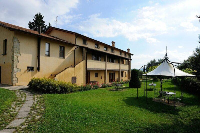 Villa Dei Grandi Autori, holiday rental in Lerchi
