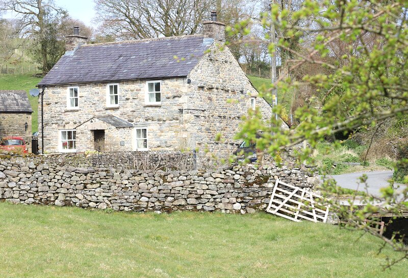 Beckside Cottage, holiday rental in Yorkshire Dales National Park