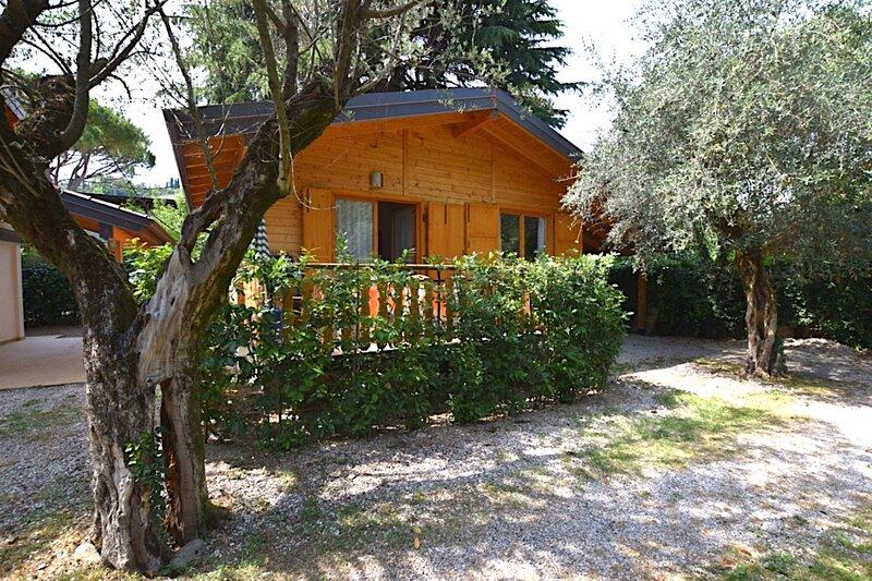 Cottage Heliopolis 89, casa vacanza a Manerba del Garda
