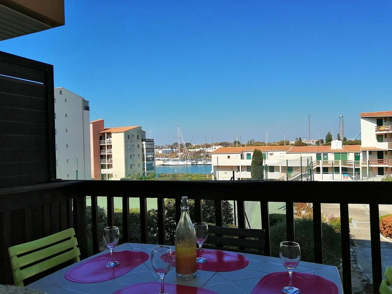 Comfortable 1 bed + bunkbeds apartment / Ile des Pêcheurs, holiday rental in Cap-d'Agde