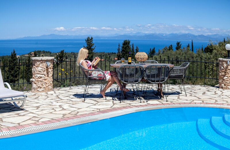 Special Offers: Gorgeous Villa Nefeli with Private Pool in Tsoukalades, Lefkada, holiday rental in Tsoukaladhes