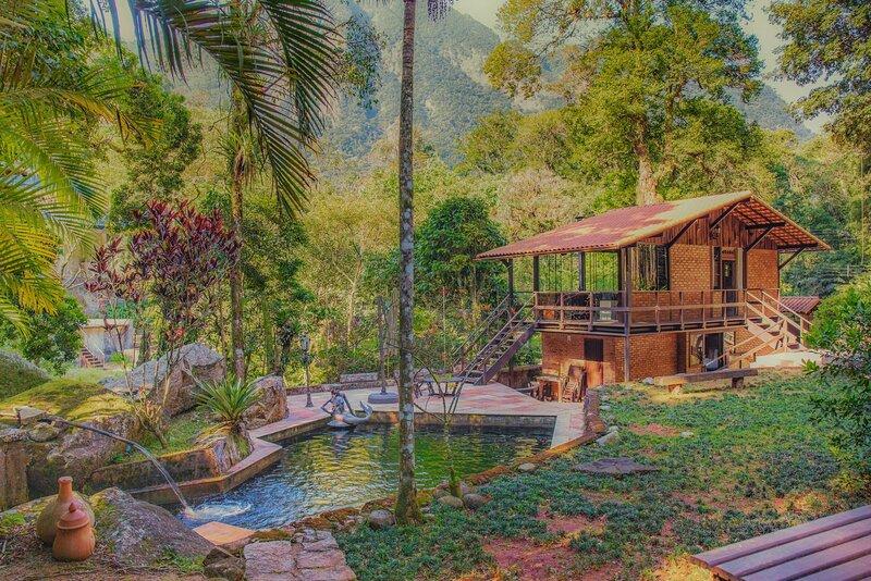Vila onde passa um rio, location de vacances à Araras