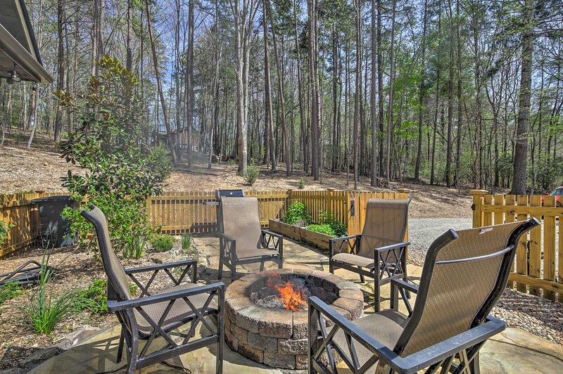 Private Backyard | Fire Pit