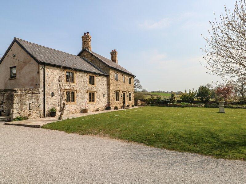 Pentre Gwysaney Farm, Mold, holiday rental in Maeshafn