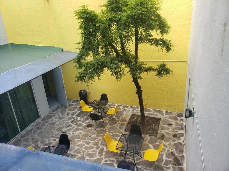 El Gran Hostal - Bed in 6 People dorm 18, holiday rental in Tlajomulco de Zuniga