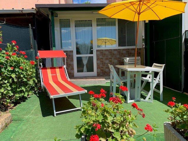 Casetta indipendente con giardino, location de vacances à Morro d'Alba