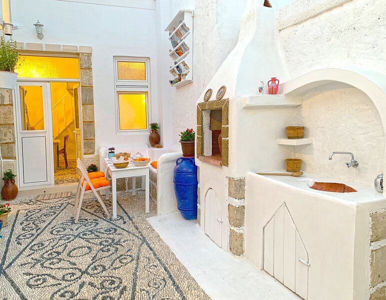 Aspasia's Traditional House, location de vacances à Koskinou